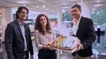 जीप कम्पास डीलरशिप के कर्मचारियों ने दिया तापसी पन्नू को सरप्राइज, पढ़ें यहां