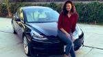 बॉलीवुड अदाकारा पूजा बत्रा ने खिरीदी टेस्ला मॉडल 3 इलेक्ट्रिक कार, जानिए इस कार में क्या है खास