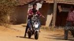 Villager Builds Cheap Electric Bike: गांव के लड़के ने बनाई सस्ती इलेक्ट्रिक बाइक, पैडल चलाने पर होती है चार्ज