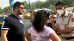 Delhi Couple Misbehaved With Police: कार में बिना मास्क पहने घूम रहा था कपल, पुलिस ने रोका तो करने लगे बवाल