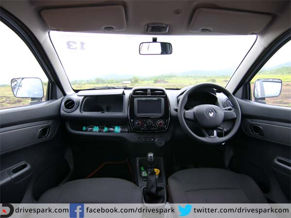 renault kwid s review in hindi hindi drivespark. Black Bedroom Furniture Sets. Home Design Ideas