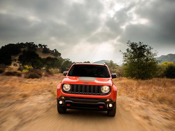 सामने आ ही गई सबसे सस्ती एसयूवी Jeep Renegade की लॉन्च डिटेल