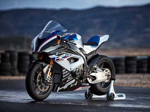 BMW Motorrad ने किया अपनी सुपरबाइक HP4 का खुलासा