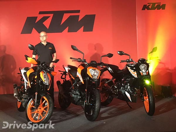KTM बाइक को बहुत प्यार करते हैं साउथ इंडियन, देखिए प्रूफ
