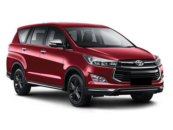 कास्मेटिक अपडेट के साथ लॉन्च हुई Toyota इनोवा क्रिस्टा टूरिंग स्पोर्ट, कीमत 17.79 से स्टार्ट