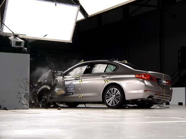 Video: न्यू BMW 5 सीरीज़ अंडर को मिला टॉप सुरक्षा अवार्ड