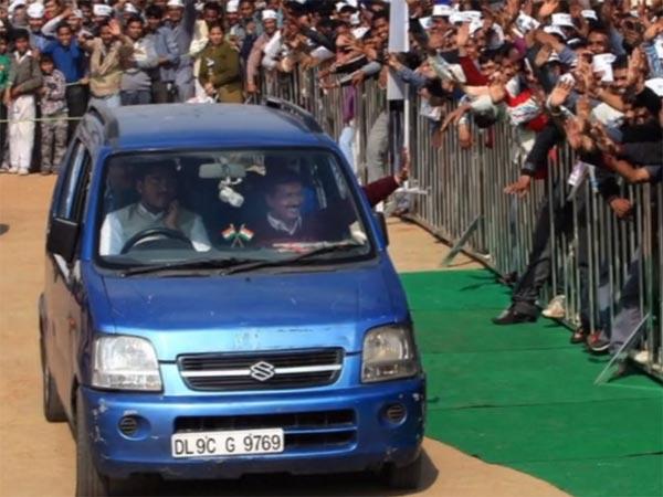 आखिरकार इस जगह पर मिली दिल्ली के मुख्यमंत्री केजरीवाल की कार