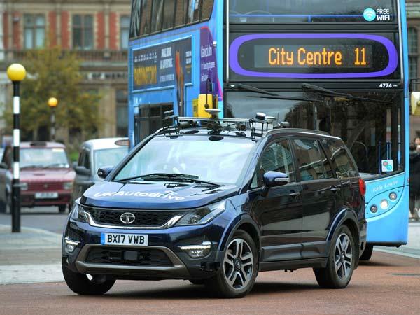 टाटा हेक्सा के सेल्फ ड्राइविंग एडिशन का टेस्ट, लेकिन क्या सड़क पर चल पाएगी?