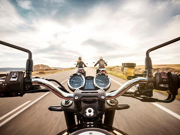 15 लाख की कीमत वाली इस रेट्रो मोटरसाइकिल के फीचर्स जानकार हैरान हो जायेंगे आप