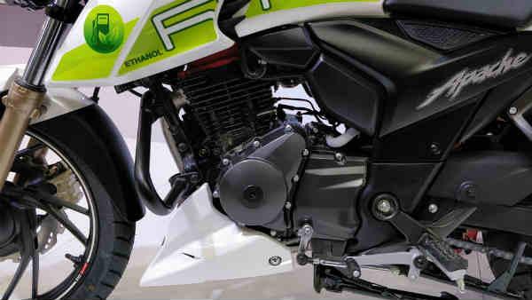 ऑटो एक्सपो 2018: टीवीएस मोटर्स ने शोकेस किया एथेनॉल से चलने वाली बाइक अपाचे RTR 200 FI