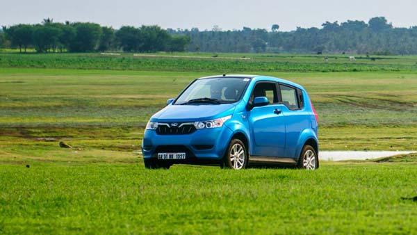 बैटरी पर घटेगी GST - इलेक्ट्रिक वाहनों की कीमतों हो सकती है भारी कटौती