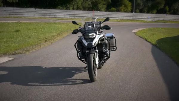 BMW R 1200 GS: बिना चालक के ही सड़क पर दौड़ती है ये हैरतंगेज बाइक
