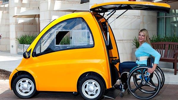 दिव्यांगों के लिए आई दुनिया की पहली व्हीलचेयर इलेक्ट्रिक कार, खुद कर सकेंगे ड्राइव