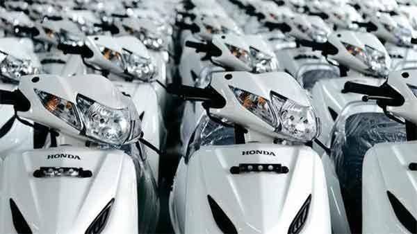 होंडा मोटरसाइकिल ने उत्पादन में की अब तक की सबसे बड़ी कटौती