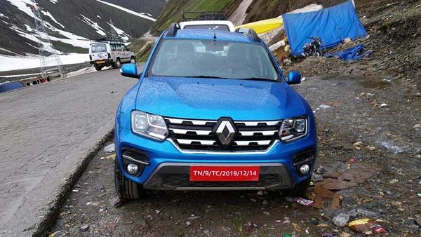 रेनॉल्ट डस्टर के फेसलिफ्ट वर्जन की नई तस्वीर आयी सामने, पहाड़ो पर हो रही टेस्टिंग