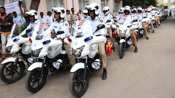 बजाज पल्सर चलायेगी अब ट्रैफिक पुलिस, कई मॉडिफिकेशन के साथ किया गया शामिल