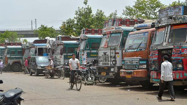 मोटर व्हीकल एक्ट के विरोध में देश भर में ट्रक ड्राइवर 19 सितंबर को करेंगे हड़ताल