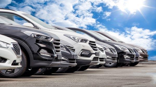 यात्री वाहनों के रजिस्ट्रेशन में 12.9 फीसदी की गिरावट की गई दर्ज, नहीं हुआ भारी डिस्काउंट का फायदा