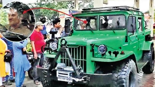 धोनी ने खरीदी 20 साल पुरानी निसान जोंगा कार, कभी भारतीय सेना करती थी इस्तेमाल
