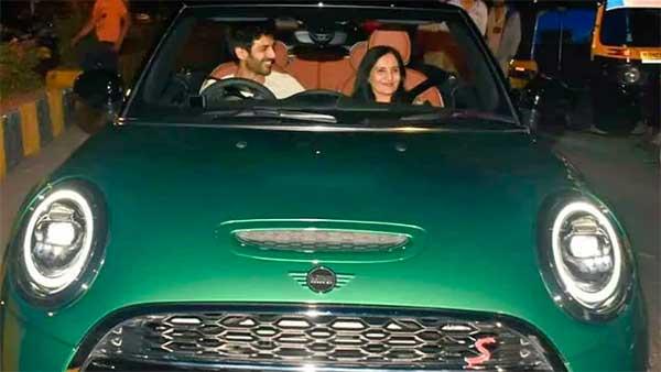 कार्तिक आर्यन ने मां को बर्थडे पर गिफ्ट की मिनी कूपर स्पोर्ट्स कार, जानें क्या है इस कार की खासियत