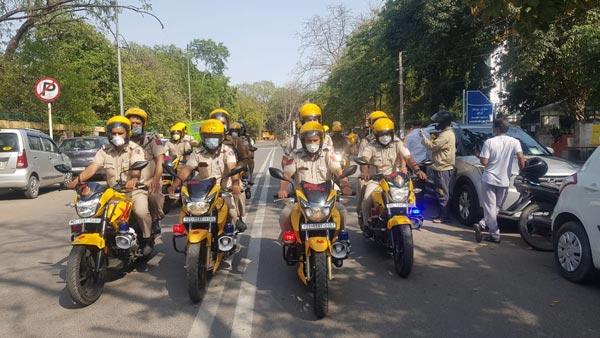 दिल्ली पुलिस ने बनाया कोविड स्क्वाॅड, 40 मोटरसाइकिलों से करेगी गश्ती