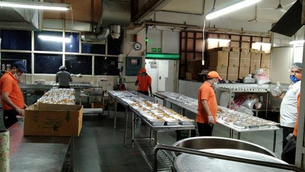 कोरोना इफेक्टः मारुति सुजुकी हर रोज जरूरतमंदों को पहुंचा रही 7,000 खाने के पैकेट