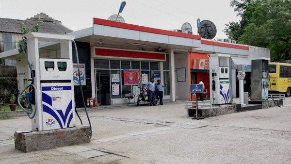 लॉकडाउन के चलते पेट्रोल-डीजल की बिक्री हुई कम, डीलरों ने मांगी सरकार से टैक्स में राहत