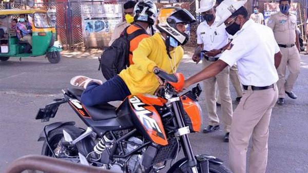 बैंगलोर पुलिस बाहर निकलने पर वाहन कर रही जब्त, 7000 वाहन हुए अंदर