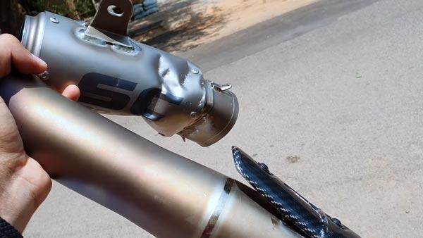 Aftermarket Exhaust Crushed: पुलिस ने नष्ट किया 1 लाख रुपये का आफ्टर मार्केट एग्जॉसट, देखें वीडियो