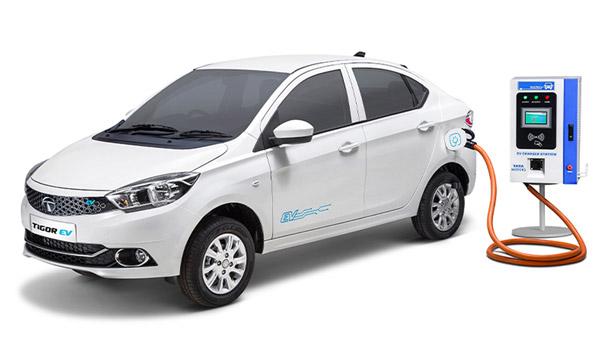 Tata Tigor EV Facelift Spied: टाटा टिगोर ईवी फेसलिफ्ट टेस्टिंग के दौरान आई नजर, तस्वीरें
