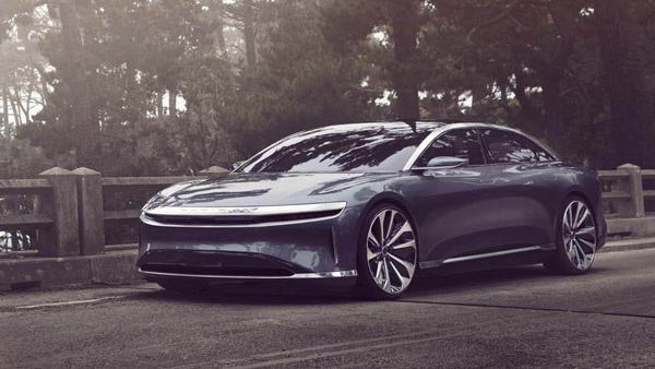 Electric Car With 800 KMs Range: एक बार चार्ज करने पर 800 किलोमीटर चलती है यह इलेक्ट्रिक कार, जानें