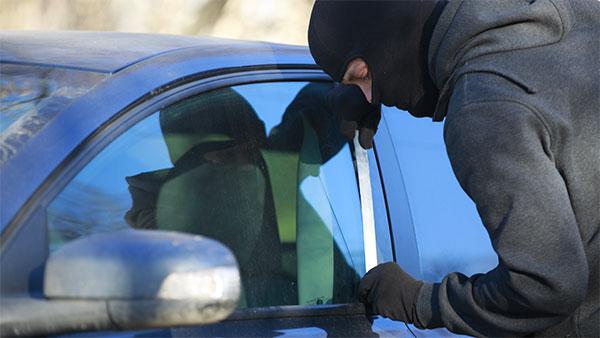 पुलिस ने कार डीलर्स को कहा, ग्राहकों को कार में जीपीएस लगाने की दें सलाह