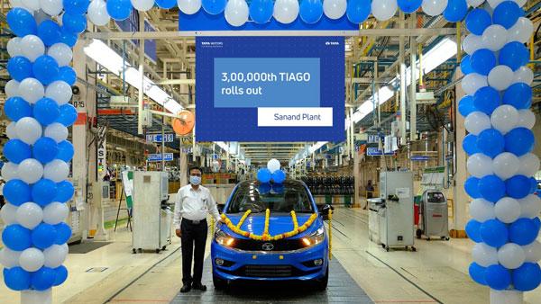 Tata Tiago 3 Lakh Unit Rolled Out: टाटा टियागो के 3 लाख यूनिट का उत्पादन सानंद प्लांट में हुआ पूरा