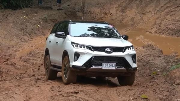 Toyota Fortuner Legender: टोयोटा फॉर्च्यूनर लेजेंडर है एक बेहतरीन ऑफ-रोडर, सामने आया वीडियो