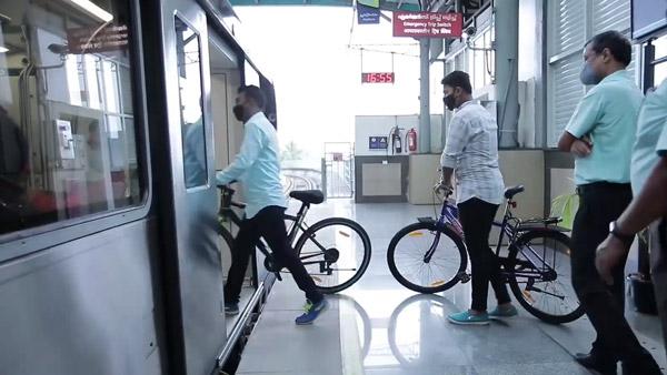 Bicycles In Kochi Metro: कोच्ची मेट्रो में ले जा सकते हैं साइकिल, क्या दिल्ली में भी शुरू होगी यह सुविधा?