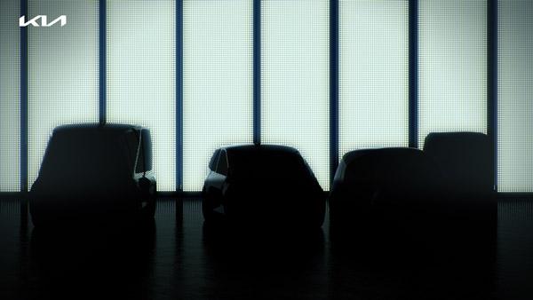 Kia Motors Future Plans: किया मोटर्स साल 2027 तक पेश करेगी 7 नई इलेक्ट्रिक कारें, जानें