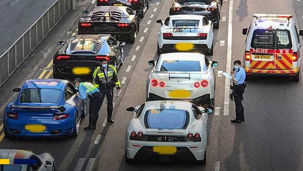 Hong Kong Police Busted 45 Supercars: हांगकांग पुलिस ने 45 सुपर कारों को किया जब्त, सड़क लगा रहे थे रेस