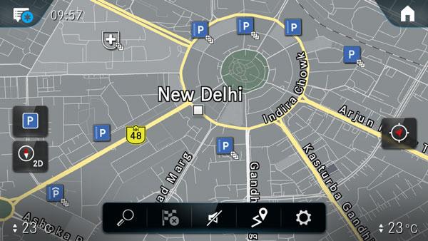 Mercedes Benz Partners For Parking Solutions: अब मर्सिडीज-बेंज की कार बताएगी कहां करनी है गाड़ी पार्क