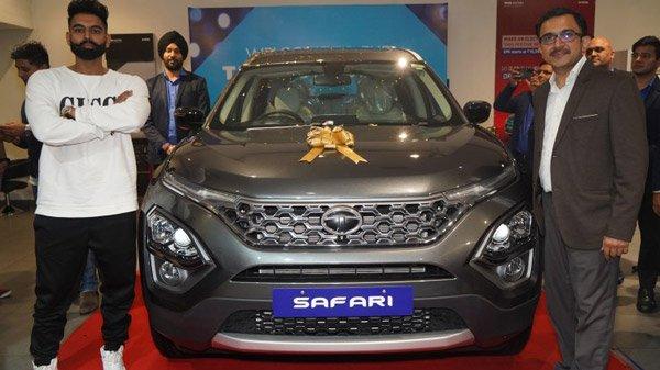 First Tata Safari Delivery In Punjab: पंजाबी सिंगर परमिश वर्मा को डिलीवर हुई पंजाब की पहली टाटा सफारी