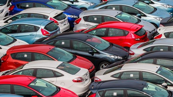 Police Seized 151 BS4 Cars: मुंबई पुलिस ने जब्त की प्रतिबंधित बीएस4 इंजन वाली 151 कारें, गिरोह का भंडाफोड़