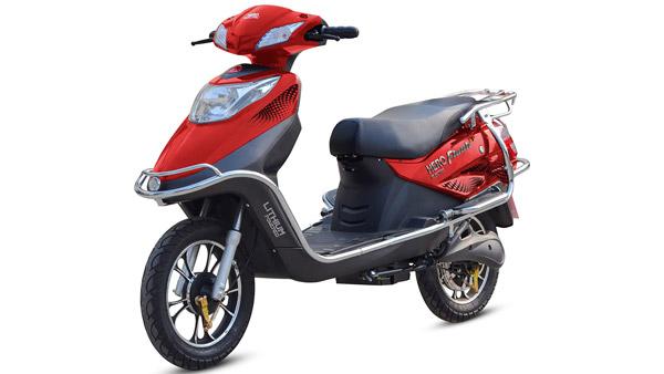 Licence Free e-Scooters: इन इलेक्ट्रिक स्कूटरों को चलाने के लिए नहीं पड़ती लाइसेंस और रजिस्ट्रेशन की जरूरत