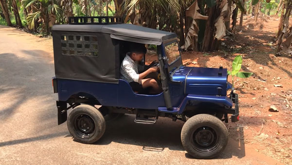 Man Builds Electric Jeep Miniature: इस व्यक्ति ने अपने बच्चों के लिए बनाई छोटी इलेक्ट्रिक जीप, देखें वीडियो