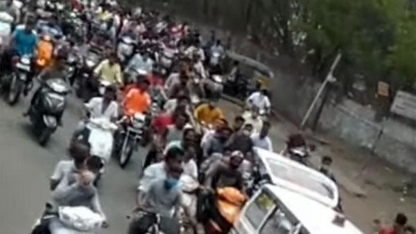 अंतिम संस्कार में बाइक रैली निकाला पड़ा भारी, Pune Police ने 40 वाहन किया जब्त
