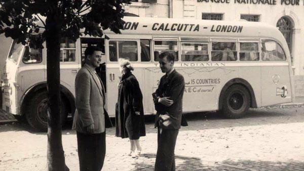 60 के दशक में इस Double-Decker Bus ने की थी लंदन से कलकत्ता तक की यात्रा, देखें तस्वीरें