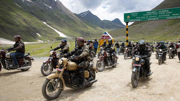 कारगिल विजय दिवस पर 75 जावा बाइक से भारतीय सैनिकों ने निकाली रैली, शहीद वीरों को दी श्रद्धांजली