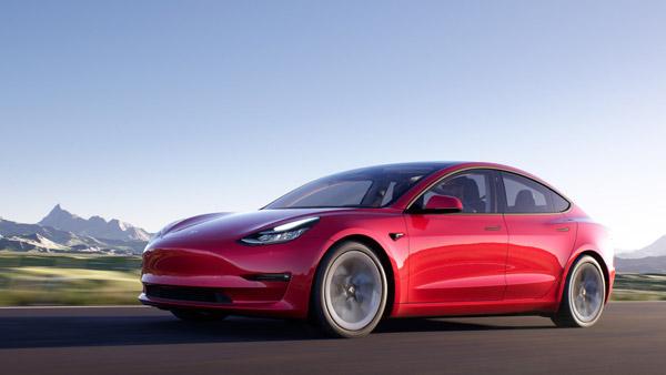 टेस्ला की इलेक्ट्रिक कारों में मिलेगा हिन्दी लैंग्वेज सपोर्ट, लाॅन्च के पहले सामने आई तस्वीरें