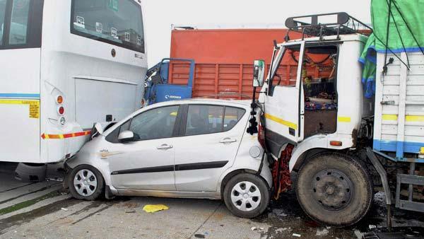 सड़क दुर्घटनाओं पर सामने आए चौंकाने वाले आंकड़े, इस राज्य की सड़कें सबसे ज्यादा असुरक्षित