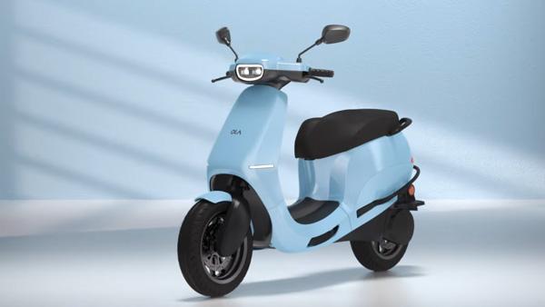 Ola Electric Scooter: ओला इलेक्ट्रिक स्कूटर टेस्टिंग करते आई नजर, जानें अब तक सामने आई जानकारियां