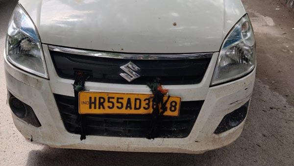 अब गाड़ी के नंबर प्लेट पर नींबू-मिर्च लटकाने वालों का कटेगा चालान, भरना पड़ सकता है 5000 रुपये का जुर्माना