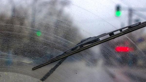 क्या आपको पता है कैसे काम काम करता है Rain Sensing Wiper System? जानें क्या हैं इसके फायदे